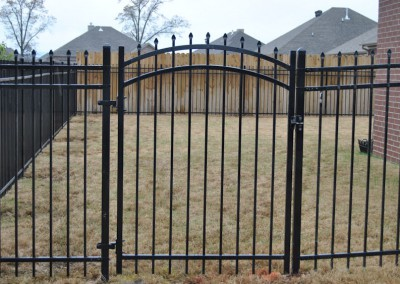 5' Classic 3 rail with arched steel gate
