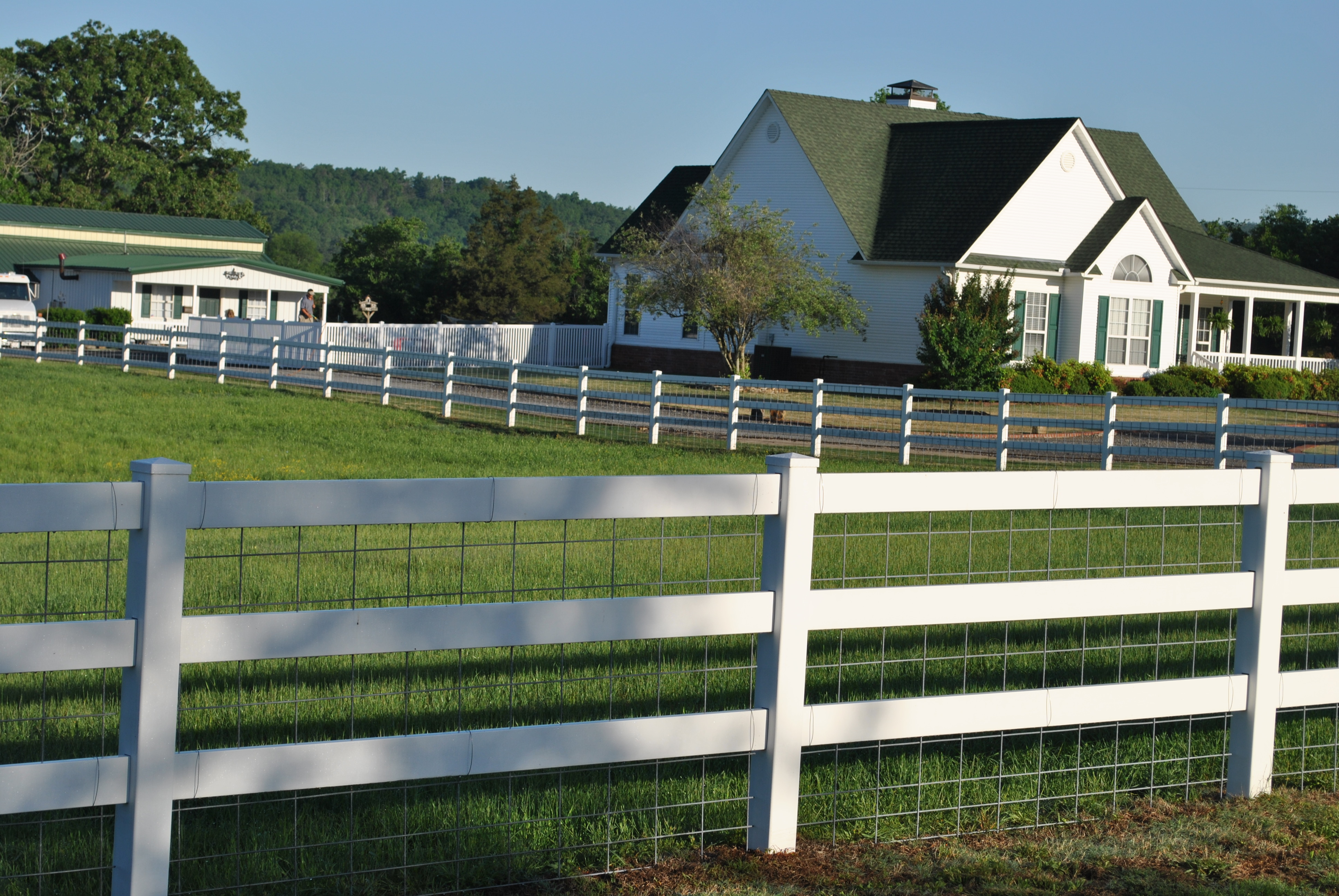 Vinyl fencing legacy fencing conway ar 3 rail with cattle panel baanklon Choice Image