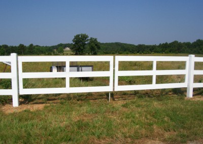 Vinyl 3 rail gate